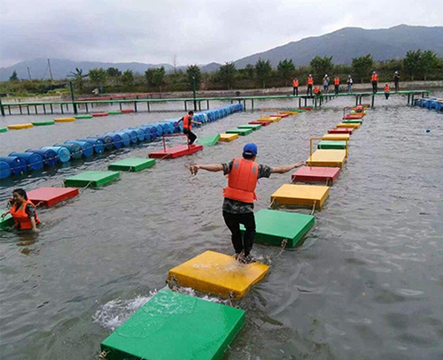水上拓展训练